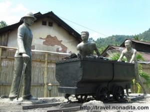 Monumen Orang Rantai