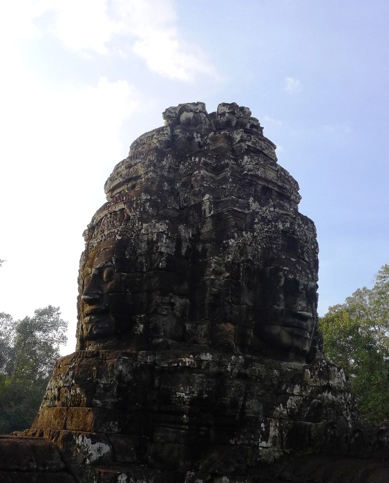 Temples Hopping: Bayon and Phnom Bakheng