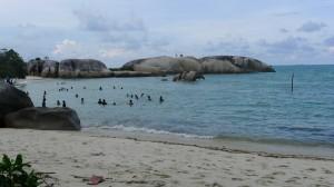 Pantai Batu Penyabong Belitung (2)