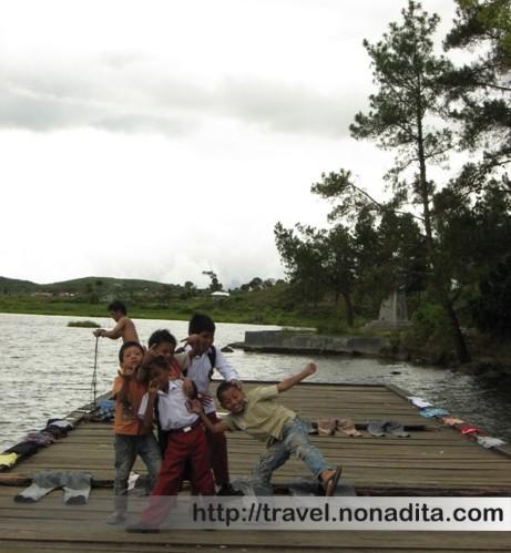 Pesona Danau Kembar di Solok